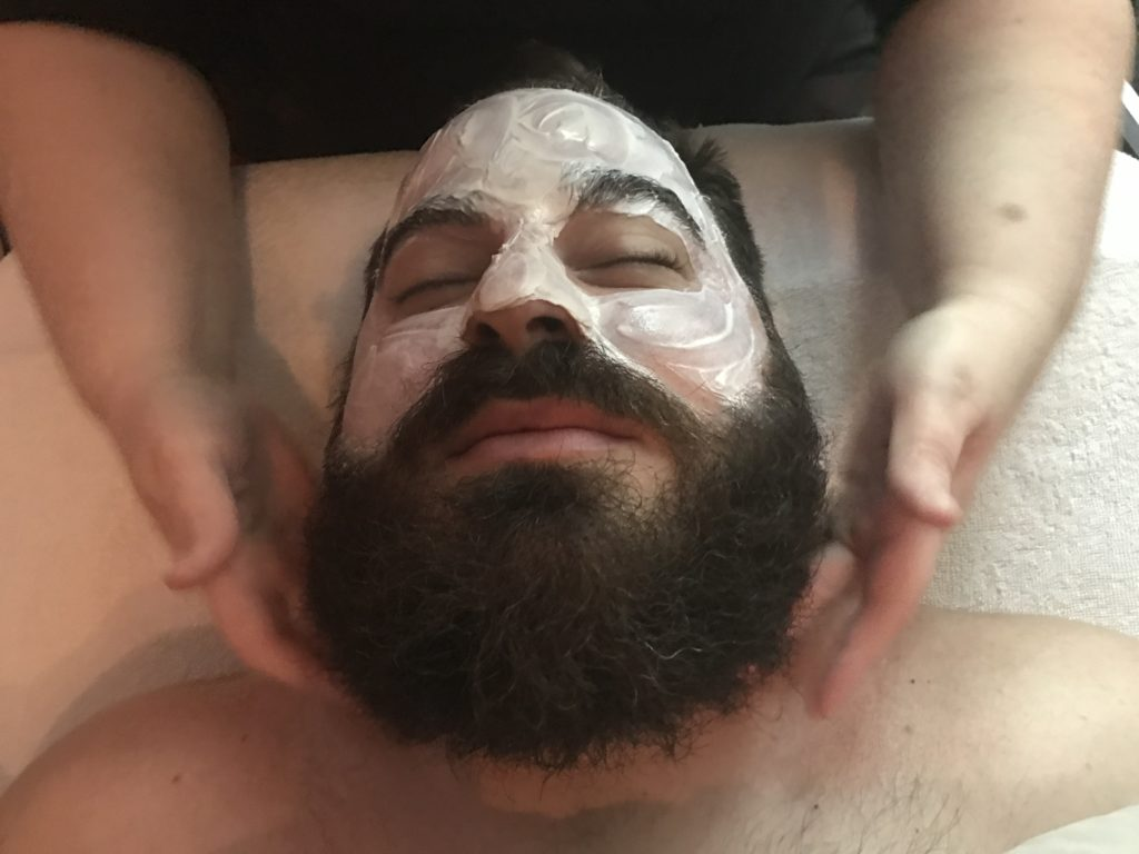 Facials aren't just for Women anymore! Check out our new Gentlemen's Facial!